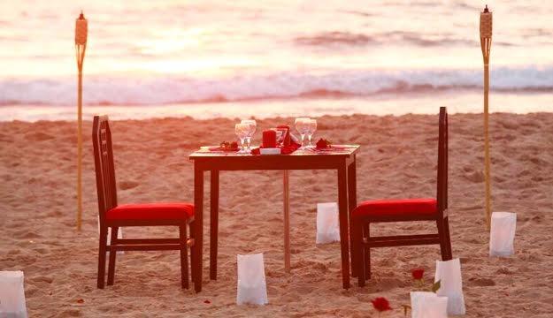 50 Off Romantic Dinner For Two From Havana Beach Resort Rmeileh