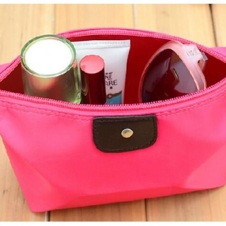 43% Off Cosmetic Bag - Pink (Only $4 instead of $7)