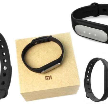 25% Off Xiaomi Mi Band Standard Waterproof Fitness Smart Wristband Tracker - Black (Only $27 instead of $36)