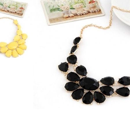 33% Off Fashion Collier Necklace - Black (Only $10 instead of $15)
