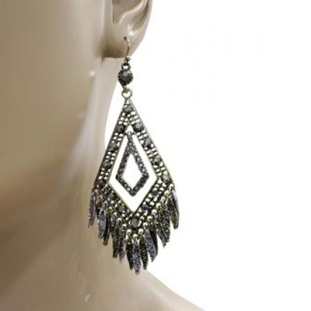 30% Off Vintage Stylish Earrings - Women (Only $7 instead of $10)