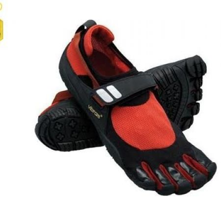 reputable site f3912 1e14a 54% Off Vibram Five Fingers Red   Black Trek Sport Shoes For Men - Size  40  (Only  65 instead of  140) - Makhsoom