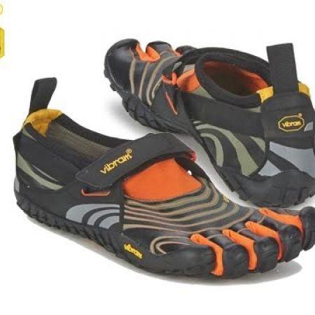 new arrival 44e16 93ca4 53% Off Vibram Five Fingers Black Orange Spyridon Shoes For Men - Size  40  (Only  75 instead of  160) - Makhsoom