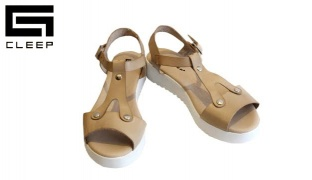 Cleep Beige Leather V Sandal For Women Size: 37