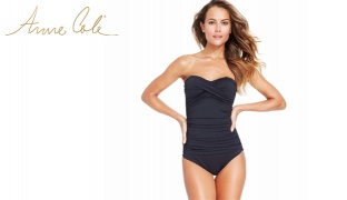 Anne Cole Black Twist Front Ruched Bandeau One Piece Swimsuit For Women Size: Small
