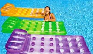 Color Splash Inflatable Pool Mattress - Green