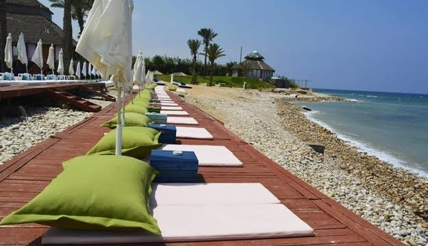 expired sofa on outdoor - Garden Furniture Lebanon