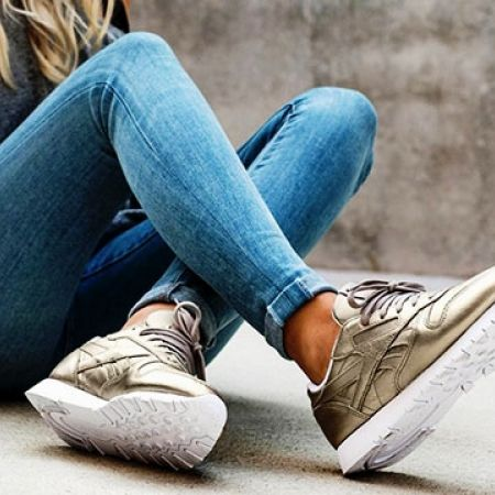 8b20945fd8e Reebok Pearl Metallic   Gold Classic Leather Melted Metals Shoes For Women