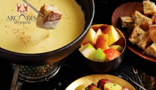 Fondue or Pierrade Set Menu with Red Wine for Two
