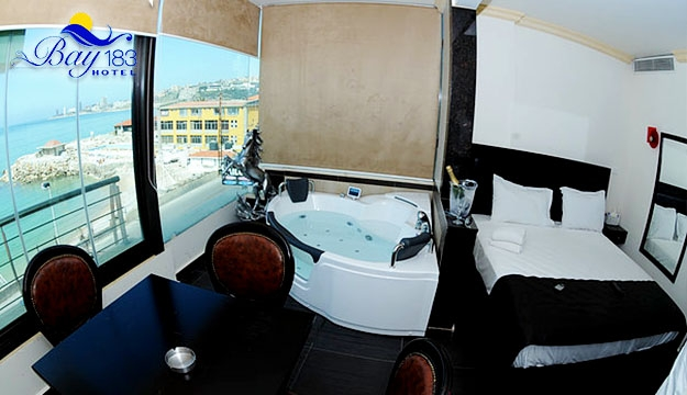1-Night Stay For Two or Four with Jacuzzi
