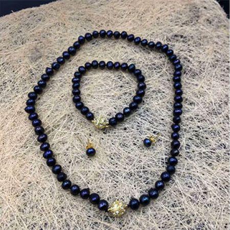 Set Of Black Fresh Water Pearl Necklace Bracelet & Earrings 4 Pcs For Women