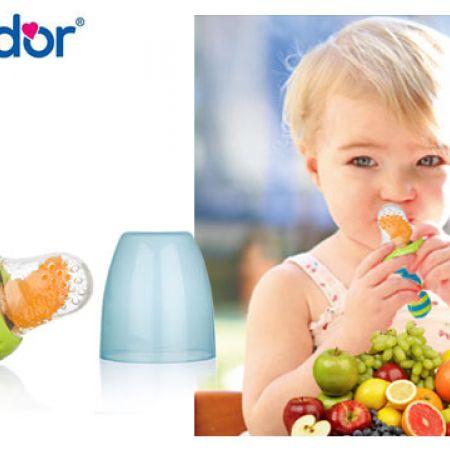 Bebedor Blue Silicone Fruit and Vegetable Feeder