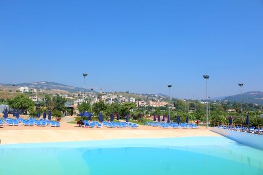 Pool & Waterpark Entrance For Kids - Makhsoom
