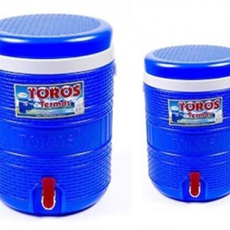 Set Of Toros Thermos Plastic Cooler 2 Pcs